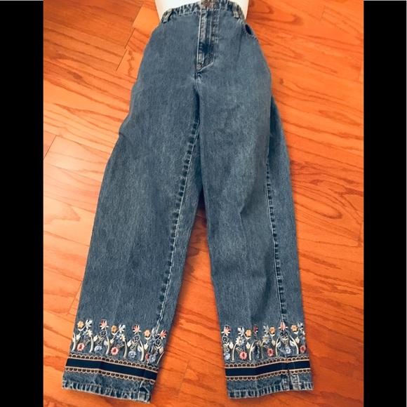 Liz Claiborne Denim - Liz Claiborne Jeans Crop Capris Embroidered Sz 14